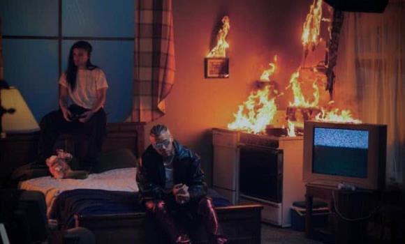 Jhay Cortez estrena nuevo sencillo y video con Skrillex.