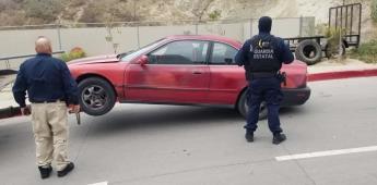 Recupera FGE vehículo con reporte de robo y asegura a conductor