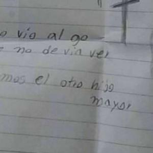 """Madre encuentra a su hijo de 2 años muerto con una carta: """"Lo siento, vio algo que no debía ver"""""""