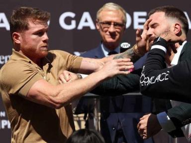Conferencia entre Canelo Álvarez y Caleb Plant termina en golpes