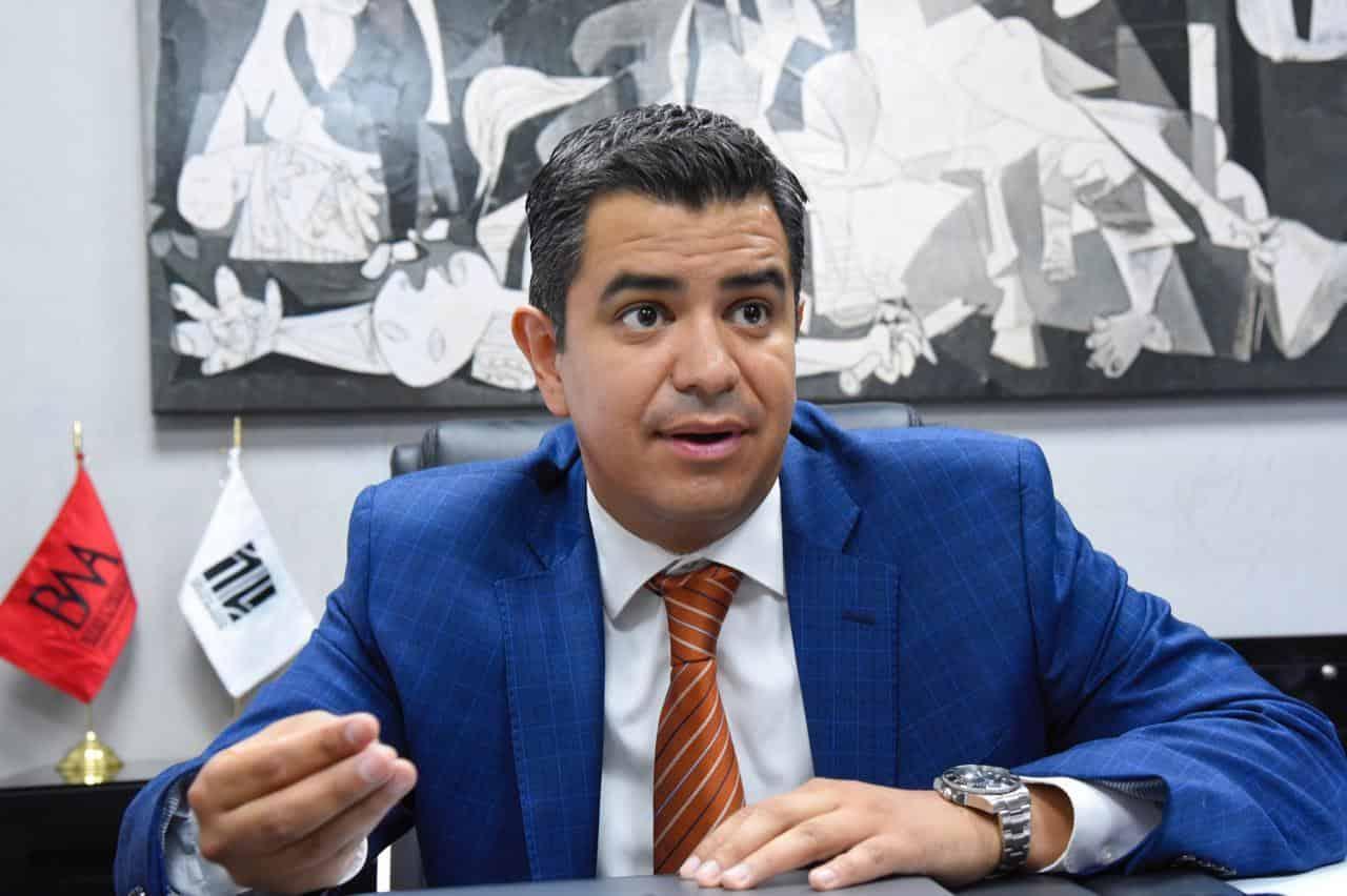 Acusan inconstitucionalidad en la restricción para recibir amparos para la vacunación de menores en México.