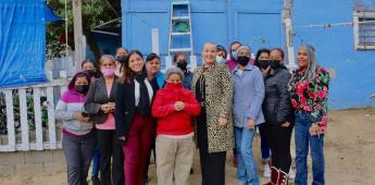 Gobierno de Tecate hace entrega de láminas en La Sierrita