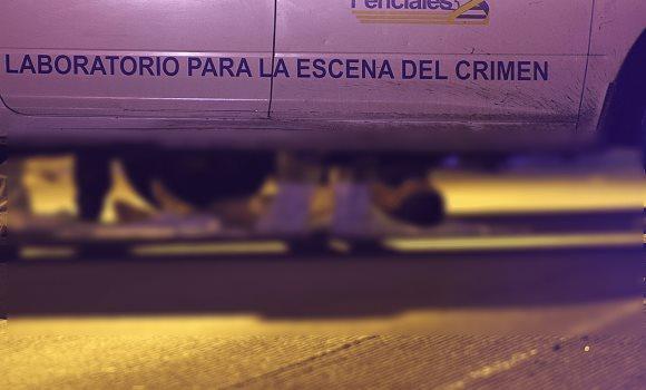 Arrojan cuerpos desnudos con narcomensaje en El Pipila